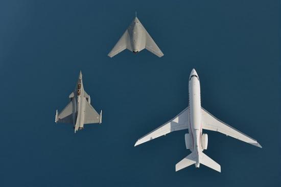nEUROn, Rafale et Falcon 7x
