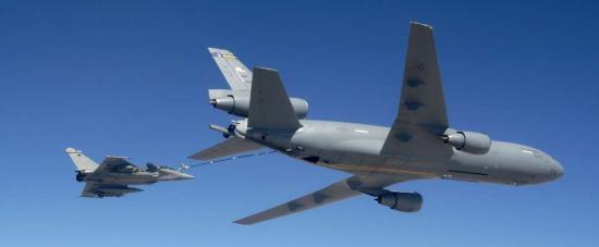 ... Avec un KC-10 de l'USAF
